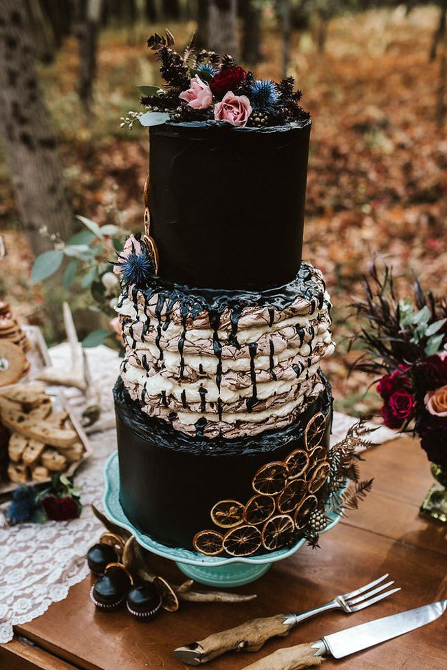 Halloween gothic wedding cake